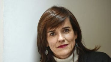 """La journaliste française Florence de Changy, auteur du livre """"Le vol MH370 n'a pas disparu"""", à Paris, le 10 mars 2016"""