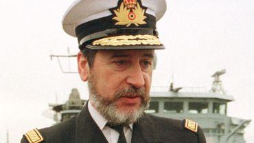 Cette image datant de 1999 représente l'amiral Jacques Rosiers, aujourd'hui retraité et président de Servio.