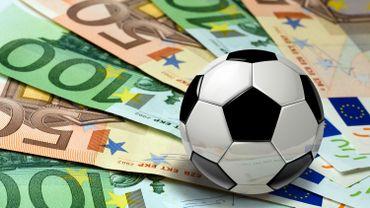 C'est Pas Fini- L'incroyable salaire des stars du foot