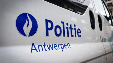 Un engin explosif retrouvé en rue à Anvers