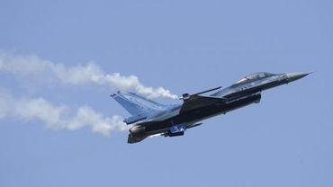 Les F-16 de la force aérienne belge, comme celui-ci, dérangent des habiantants de Marche-en-Famenne
