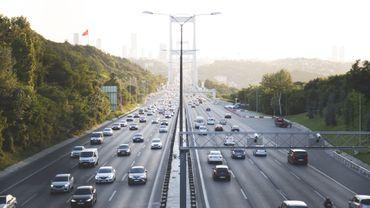 La pollution atmosphérique serait responsable d'un vieillissement prématuré des poumons.