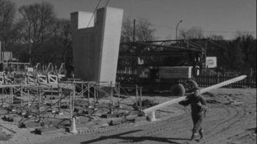 Image de la construction du viaduc Herrmann-Debroux en 1972.