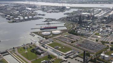 Vue aérienne du port d'Anvers