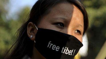 L'occupation du Tibet par la Chine suscite toujours la révolte des Tibétains. Seize d'entre eux ont déjà perdu la vie en s'immolant pour protester contre cette occupation