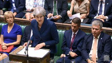 En Grande-Bretagne, Teresa May vit des moments difficiles.