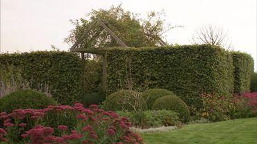 La structure très nette du jardin le rend intéressant toute l'année