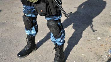Un soldat ukrainien sur un check-point dans l'Est de l'Ukraine, le 16 mai 2014
