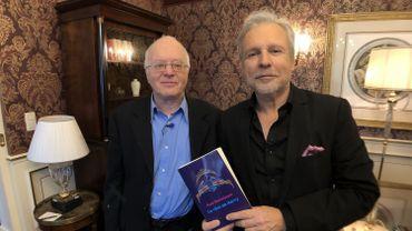 Alain Berenboom (gauche) et Thierry Bellefroid (droite) sur le tournage de Sous Couverture