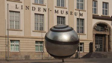A Stuttgart, le musée Linden implique dans ses recherches des représentants des diasporas africaines.