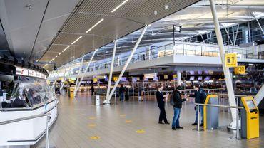 Pays-Bas: un des trafiquants de drogue les plus recherchés arrêté à l'aéroport de Schiphol