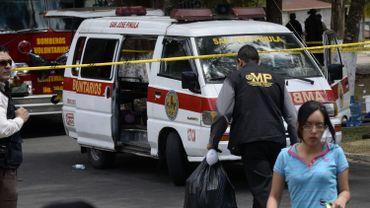 Trente-et-une adolescentes ont péri dans l'incendie mercredi d'un foyer d'accueil pour mineurs au Guatemala, selon un nouveau bilan annoncé jeudi par les hôpitaux où sont soignés les blessés.