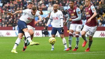 Toby Alderweireld a marqué deux fois contre Aston Villa, dont un contre son camp