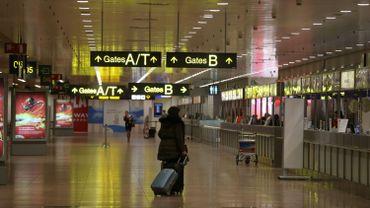 Les allées de l'aéroport de Bruxelles-National restent bien vides en ce moment