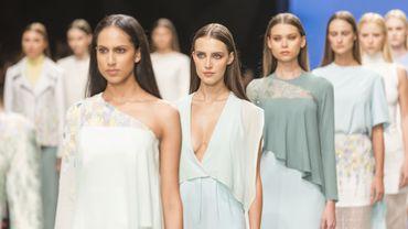 """En direct de Milan, les ténors de la mode face au """" see now-buy now """""""