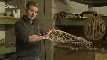 Le Liégeois travaille uniquement avec des bois nobles, et tout est fait à la main