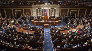 Le texte a été adopté avec l'appui de la majorité républicaine et d'une partie des démocrates, par 289 voix contre 137, et doit encore être examiné par le Sénat.