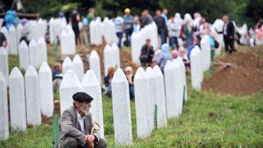 Dans le mémorial de Srebrenica