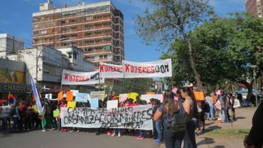 Une manifestation pour les femmes QOM aborigènes du nord de l'Argentine
