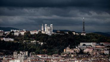Attaques en France : un prêtre orthodoxe blessé par balle à Lyon, l'auteur est en fuite