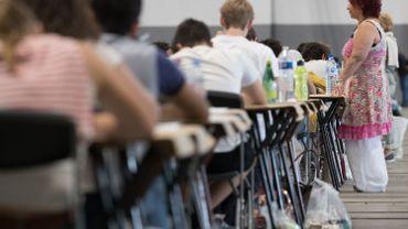 ARES estime que plus ou moins 10% des inscrits ne se présenteront pas à l'examen (estimation par rapport à la session de juin).