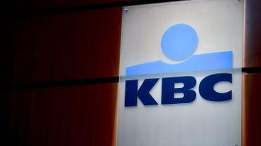 KBC transforme 65 agences en distributeurs automatiques