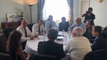 """G7: les discussions avec le chef de la diplomatie iranienne, Zarif sont """"positives"""""""