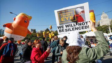 """Manifestation à Chicago contre la politique """"anti-femmes"""" du gouvernement Trump le 13 octobre 2018"""