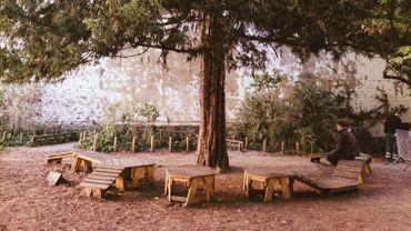 La cour de l'école de l'Arc-en-ciel de Saint-Josse.