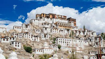 """Avec une altitude moyenne de 5300m et de nombreux réfugiés tibetains, le Ladakh est """"little Tibet"""" dans l'Himalaya indien."""
