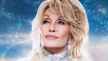 Dolly Parton sort de nouveaux titres et jouera le rôle d'un ange