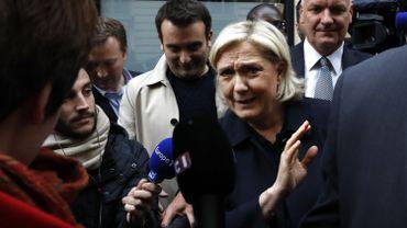 """Une dizaine de médias se disent """"interdits"""" de soirée électorale FN"""