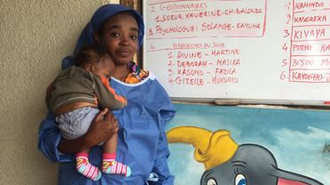 """Gizelle Mukonzo, l'une des douze """"berceuses"""""""
