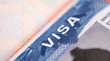 """Visas américains: le Parlement européen attaque la Commission pour """"inaction"""""""
