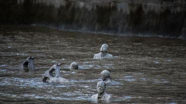 Des sculptures qui apparaissent et disparaissent au fil de l'eau (Galerie photo)