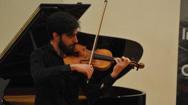Cesar Laporev, violoniste belge de 24 ans, finaliste du Concours musical international Ysaÿe