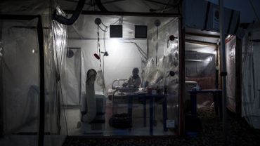 Une chambre plastique aux murs transparents a été installée à Beni, en RDC, pour lutter contre le virus Ebola, le 15 août 2018.