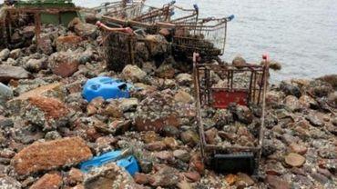 L'inventeur néerlandais prêt à vider l'océan de ses plastiques bien soutenu financièrement.