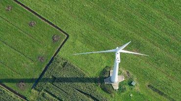 Une éolienne dans le nord de l'Allemagne