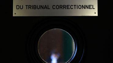 Le tribunal était sous haute surveillance ce 19 février étant donné le nombre de prévenus