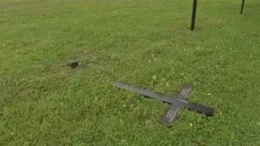 Une tombe d'un soldat allemand profané