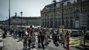 Vitrines barricadées, Jean-Marie Bigard chahuté… un millier de gilets jaunes rassemblés à Paris