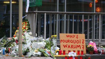 Attentats: hommages et suivi de l'enquête, suivez notre direct commenté