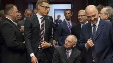 Grèce: Eurogroupe suspendu, la menace d'un Grexit se renforce