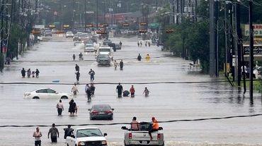 En particulier, les aléas hydrologiques extrêmes (inondations, crues) ont quadruplé, les sécheresses doublé.