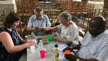 Puzzle, jeux de cartes, livres, boissons,... en cette période de canicule, l'église Saint-Amand de Hamme-Mille sert de refuge à tout qui souhaite échapper à la canicule, entre 12H et 18H