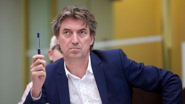"""Le député s.pa Peter Vanvelthovenappelle à la création d'une """"commission Panama"""" à la Chambre."""