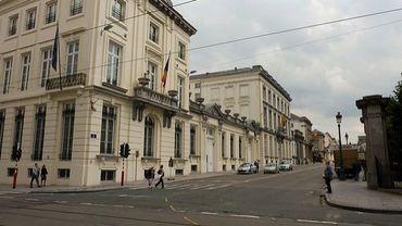 La rue de la Loi vue de la rue Royale, situation d'avant les travaux du mois d'octobre