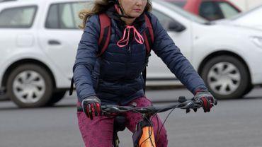 Bruxelles : tâches familiales, inconfort et insécurité font que les femmes font moins de vélo