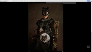 """Le portrait de Catwoman dans la série """"Super Flemish"""" de Sacha Goldberger"""